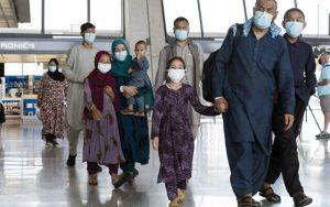 Afganos evacuados